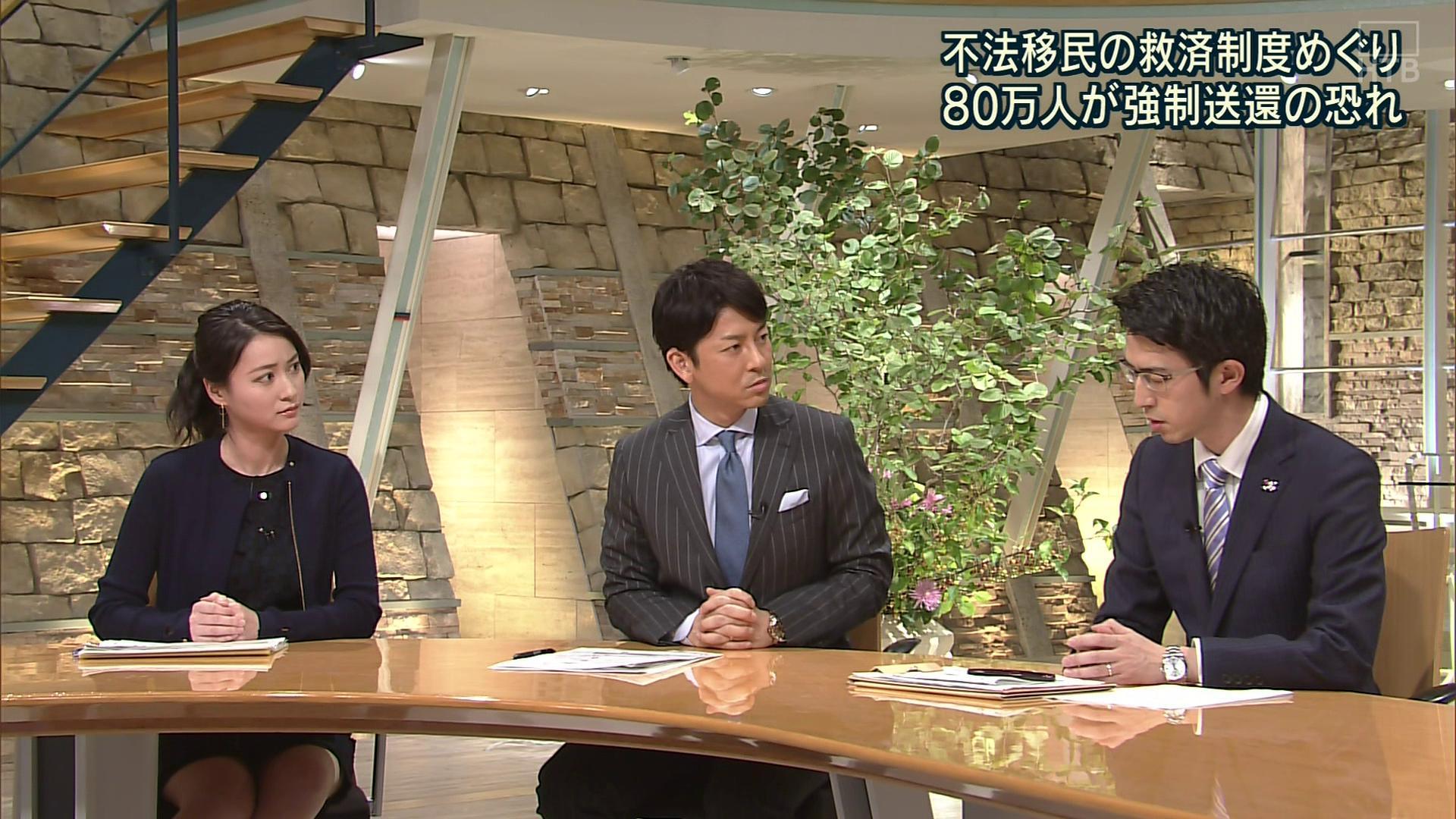 小川彩佳アナ ミニスカ太もも▼ゾーン!!