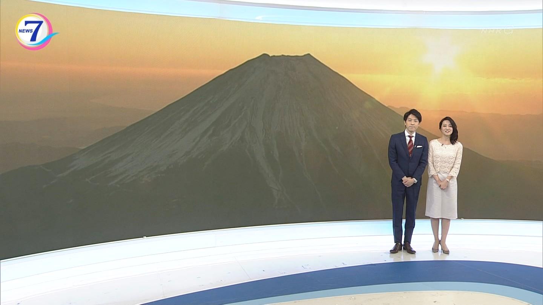 鈴木奈穂子アナ(年女) NHKニュース7